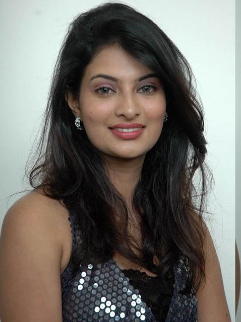 Sayali Bhagat Nude Photos 83