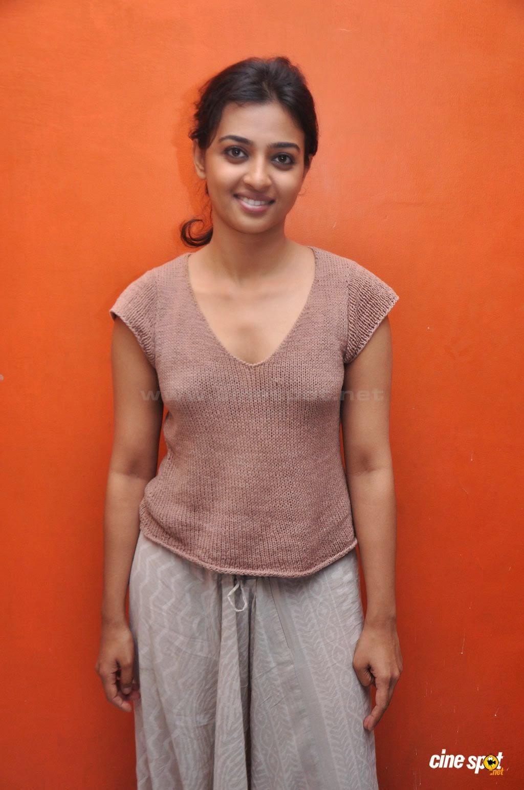 Hot Radhika Apte