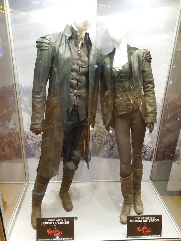 Jeremy Renner Gemma Arterton Hansel Gretel Witch Hunter costumes