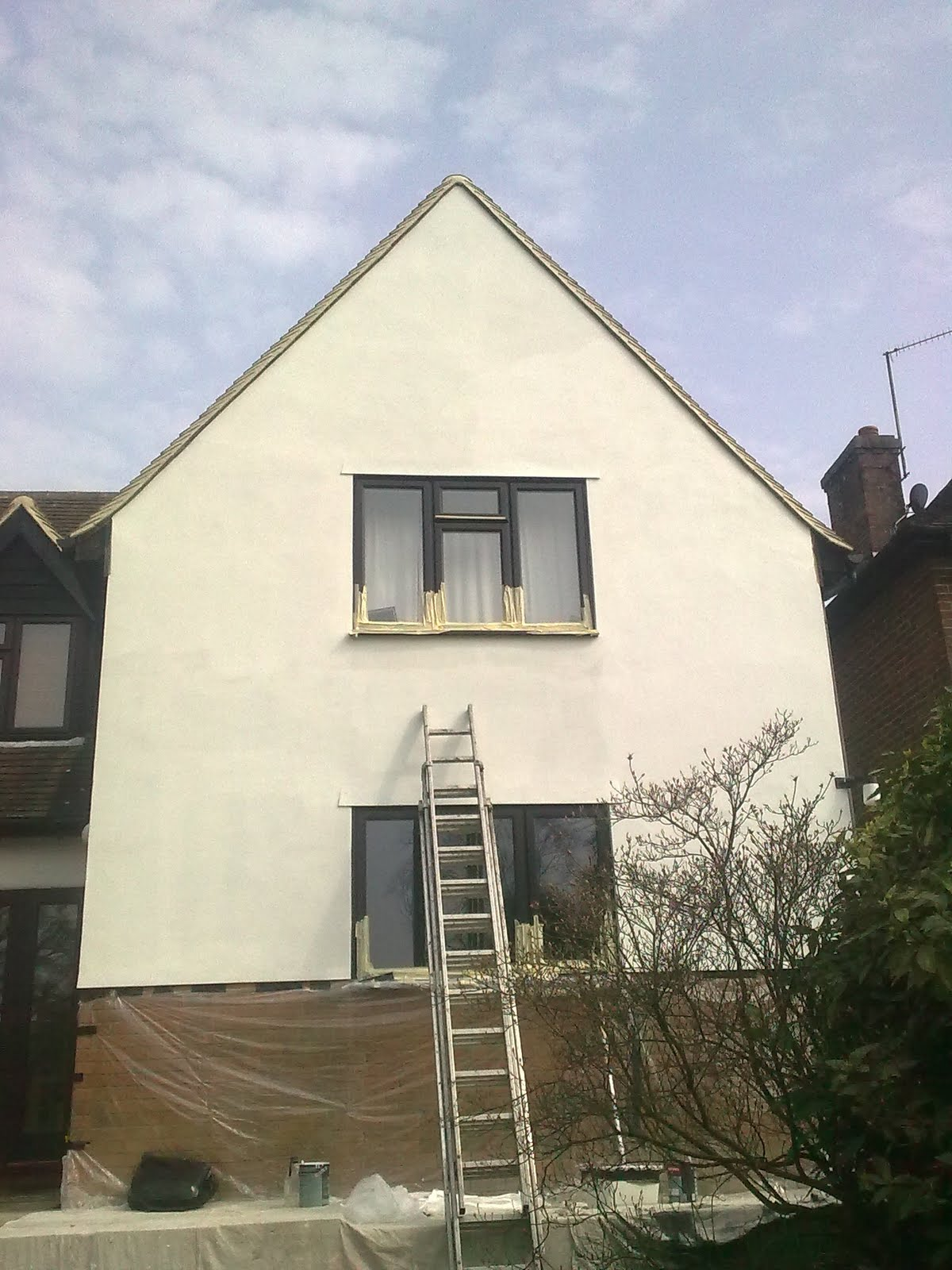N w decorating exterior rendering johnstone 39 s pliolite masonry paint - Johnstones exterior masonry paint set ...
