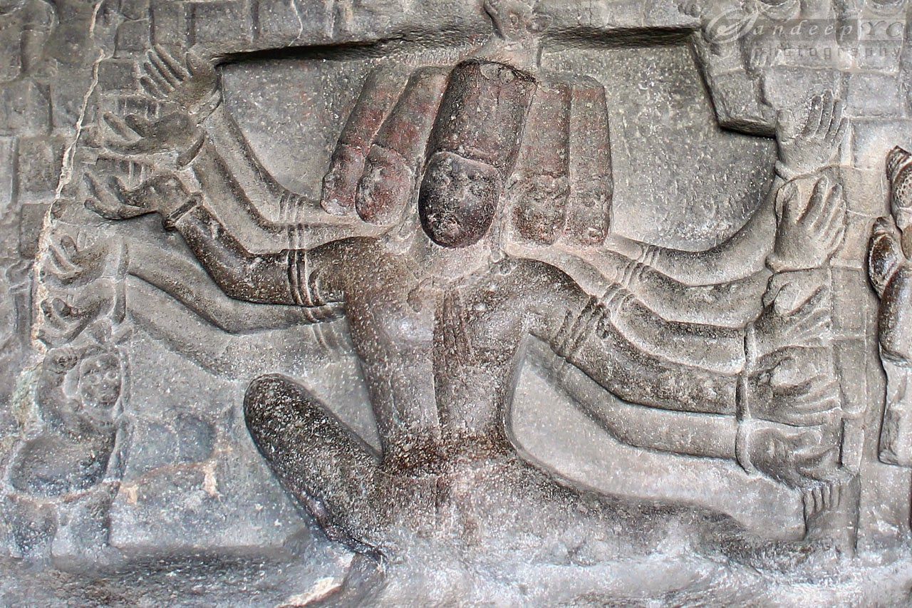 Depiction of Ravana shaking Kailasa