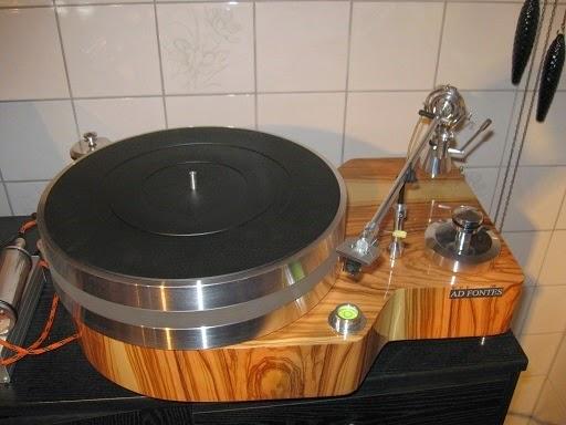 Gramofon AD FONTES