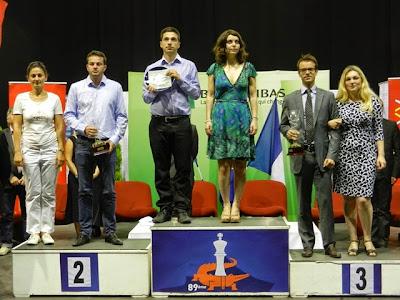 Le double podium des tournois mixte et féminin du championnat de France d'échecs 2014 - Photo © FFE