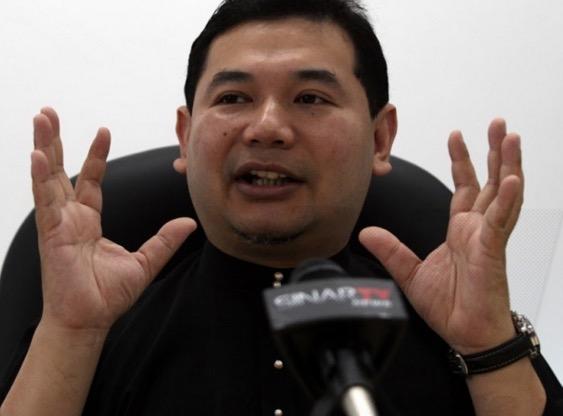 Rafizi dakwa kerajaan kutip cukai minyak RM3 bilion jika harga lantai diperkenalkan
