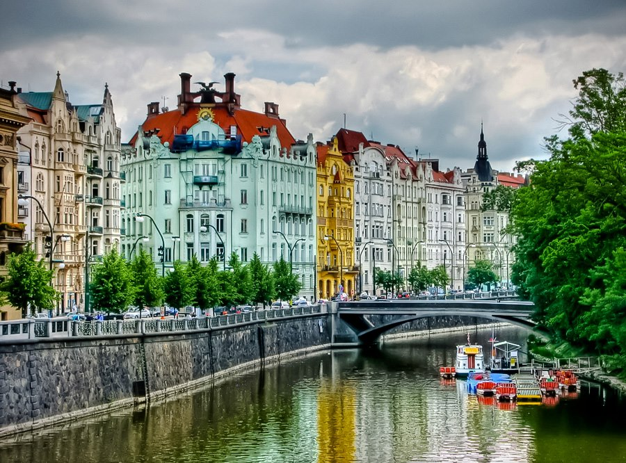 worldzone7: Goethe Institute and the Zofin bridge Josefov ...