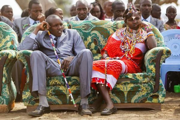 Matrimonio In Kenya : La straniera il matrimonio masai i parenti dello sposo
