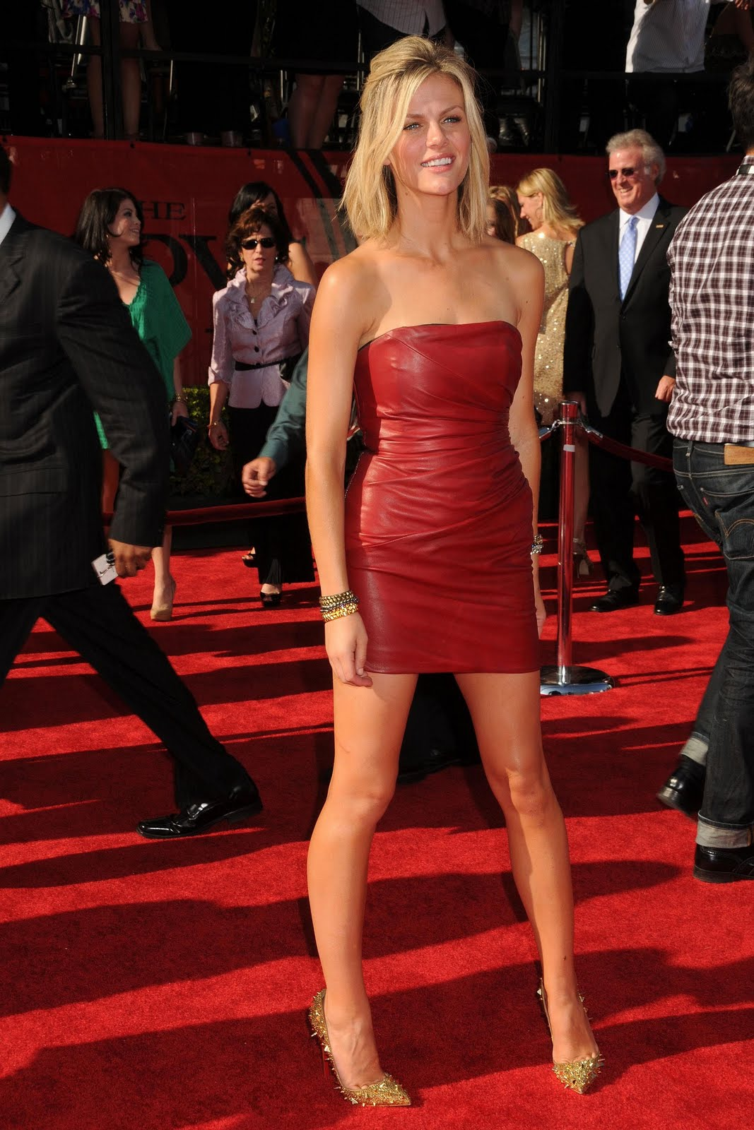 The Toe Cleavage Blog Silver Amp Gold Brooklyn Decker