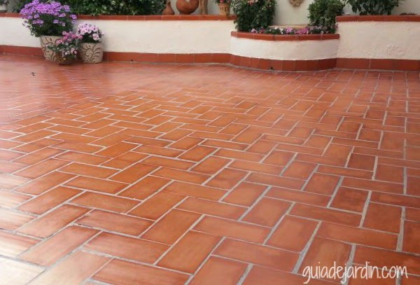 5 opciones de suelos para el jard n y la terraza guia de for Suelos de ceramica para terrazas