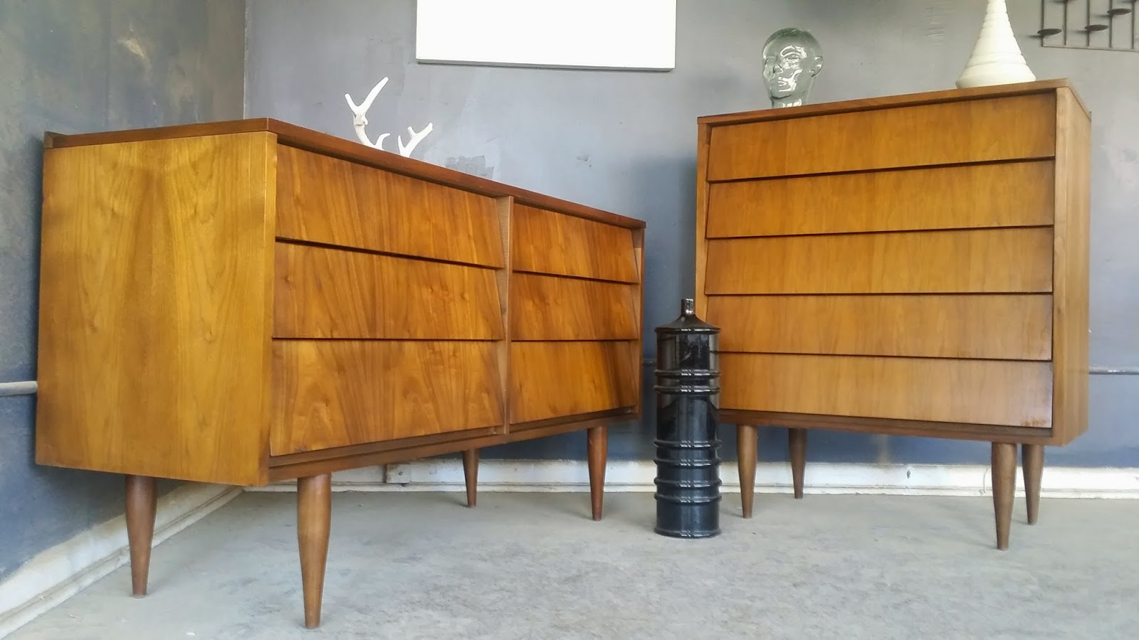 Vintage Ground Mid Century Bedroom Set