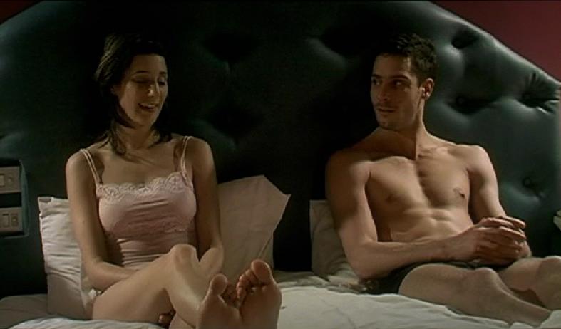 En La Cama (2005)