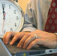 http://lokernesia.blogspot.com/2011/11/bagaimana-mengelola-waktu-anda-secara.html