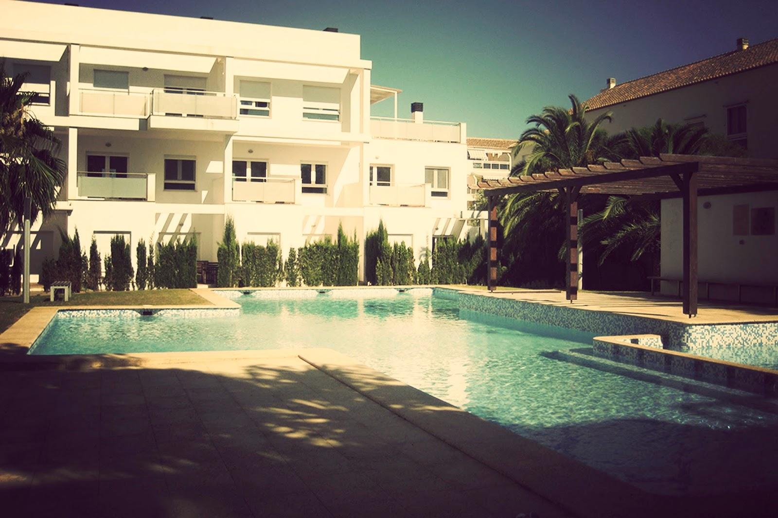 Apartamentos H3 Belman. Alan Blesa y Sonia Soler. tourvintage.blogspot.com