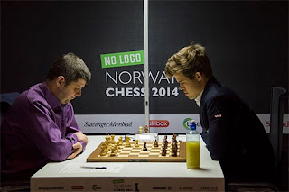 Echecs : Peter Svidler (2753) 1/2 Magnus Carlsen (2881) - Photo site officiel