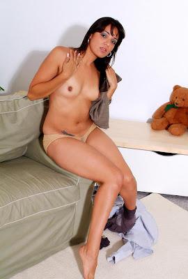 delhi NRI girls getting nude for money   nudesibhabhi.com