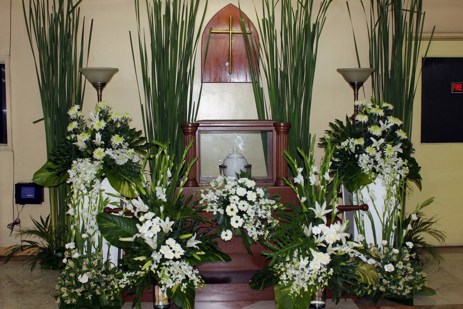 Sympathy flower arrangements funeral setup dangwa flora the following are few of the vast sympathy flower arrangements and funeral setup catered by dianas flower shop to various clienteles izmirmasajfo