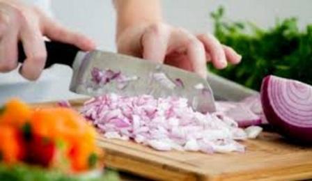 Masakan-Istri-di-Rumah-itu-Lebih-Nikmat-Dari-Masakan-Luar