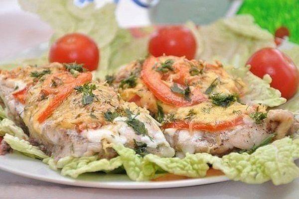 Скумбрия запеченная в духовке с сыром и овощами рецепт пошагово