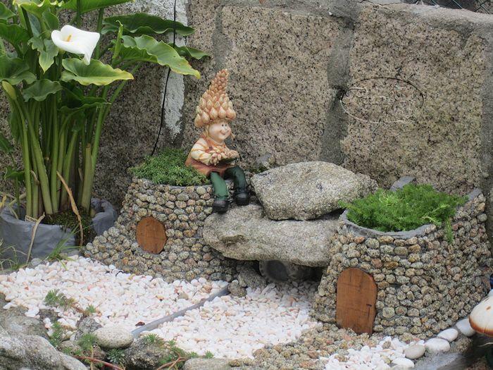 Manualidades puri diaz casitas de duendes decoracion for Decoracion estanques