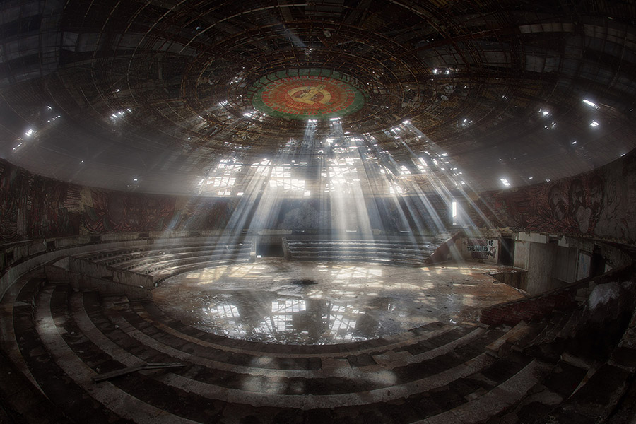 buzludzha, HDR,sony,a7r,light,rays,communist,ufo