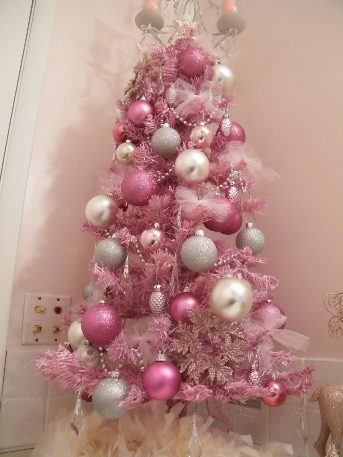 Christmas trees decorated pink - 70 Beautiful Christmas Tree Decoration