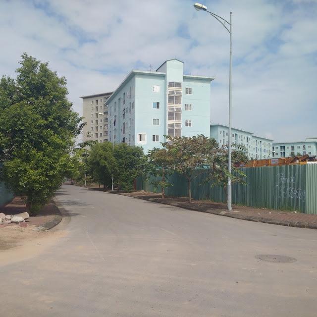 Đường vào chung cư Valencia Garden