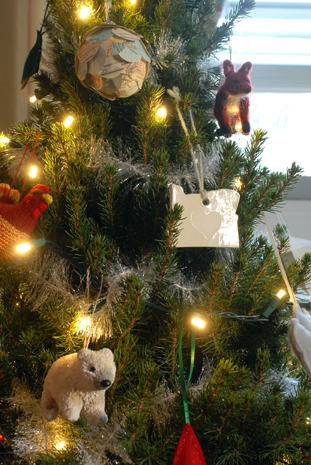 a living space: Christmas Tree Love