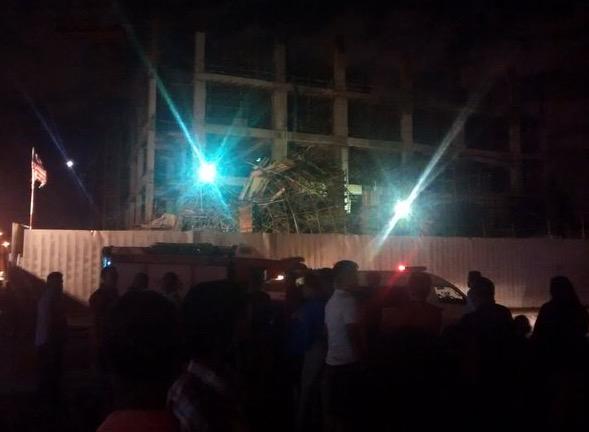 9 Cedera Struktur Melawati Mall Runtuh