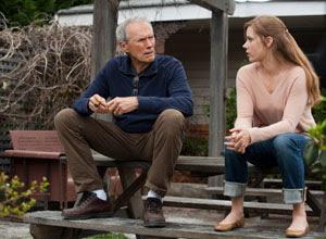 Clint Eastwood y Amy Adams en Golpe de efecto