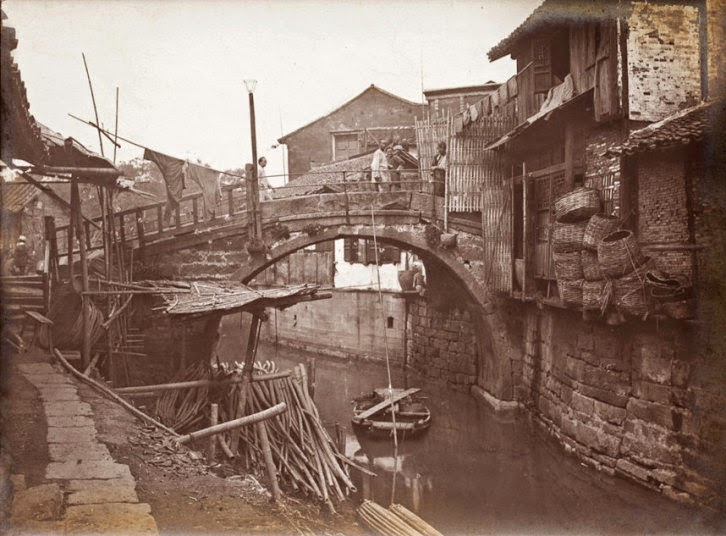 11 rare vintage photographs captured daily life in china for Architecture xix