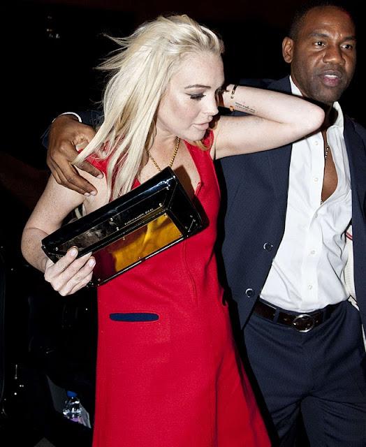 Lindsay Lohan - Raspoutine Nightclub in Paris