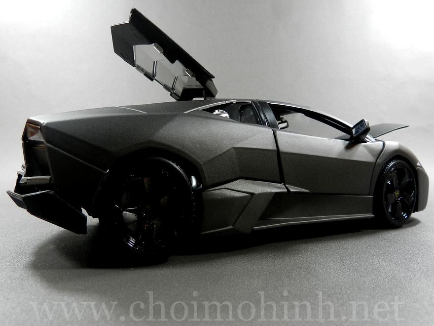 Lamborghini Reventón 1:18 bBurago back