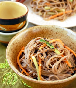 COLD SOBA NOODLE SALAD WITH WASABI AND GINGER VINAIGRETTE - Healthy, Refreshing & Summery JAPANESE recipe