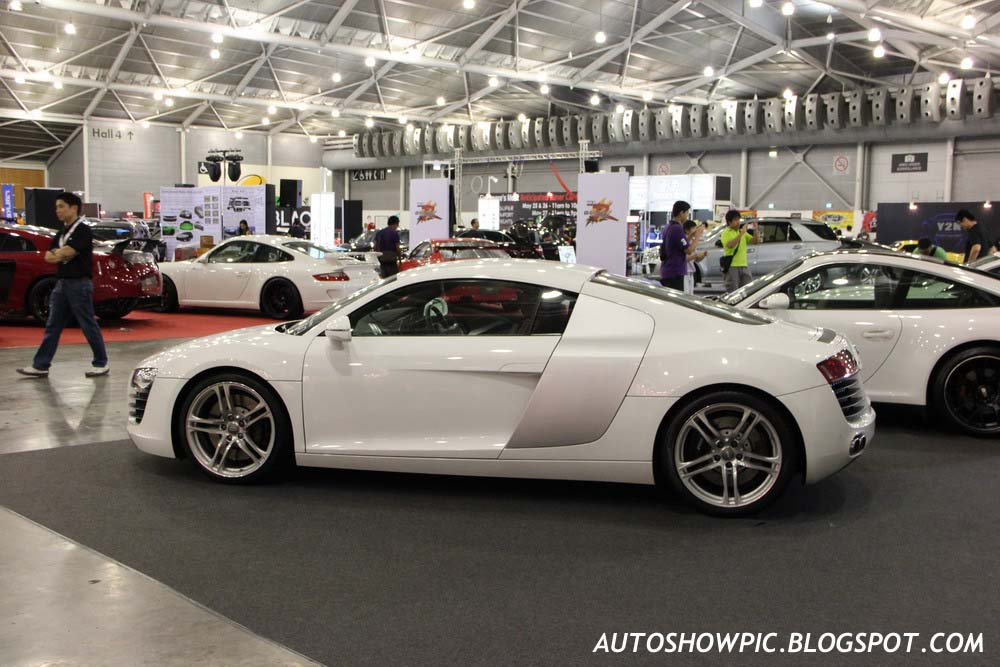 autoshow pic sin 2012 audi r8. Black Bedroom Furniture Sets. Home Design Ideas