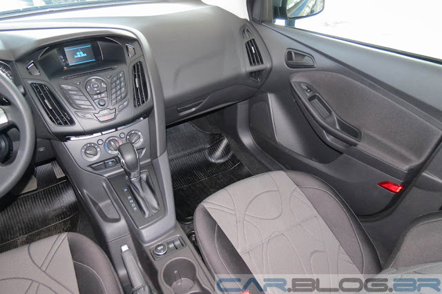 Nofo Focus Sedan Básico - interior