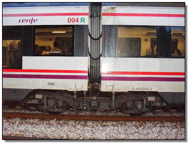 Tren de cercanías con bogies Jacobs