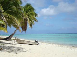 Puisi Tentang Keindahan Pantai