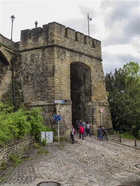 Entrada fortificada