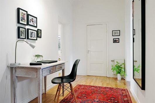 La casa in vetrina idee e soluzioni per l 39 angolo studio - Angolo studio in camera da letto ...