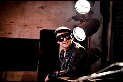 Damon Albarn Banksy Dismaland, damon albarn banksy art, blur banksy, damon albarn news, banksy blur, gorillaz news, art blur