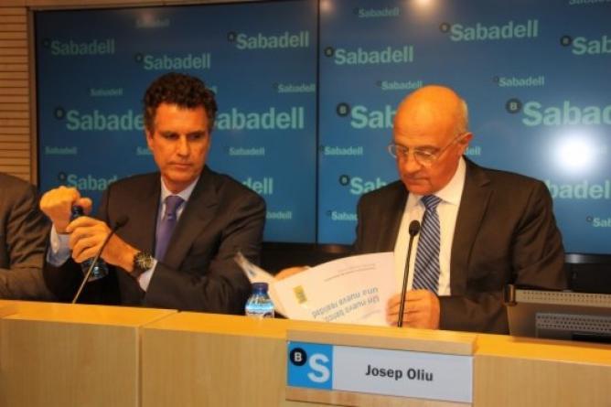 Som drets som lluita banco sabadell gana 90 millones de for Sabadell cam oficinas