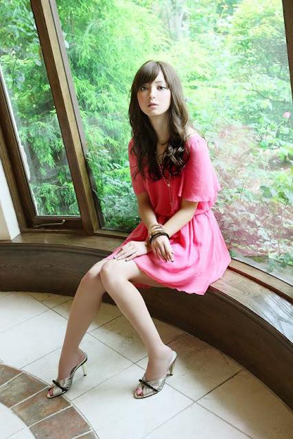 Nozomi Sasaki in pink dress