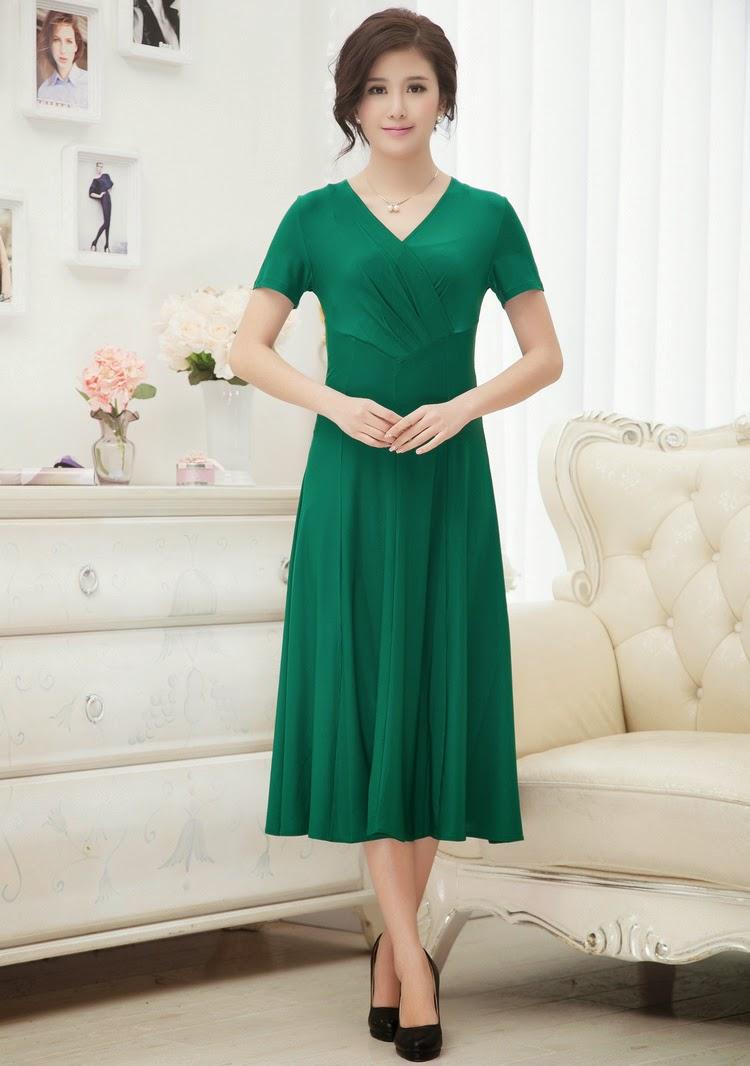 Plus Size Short Sleeve V-neck Dress