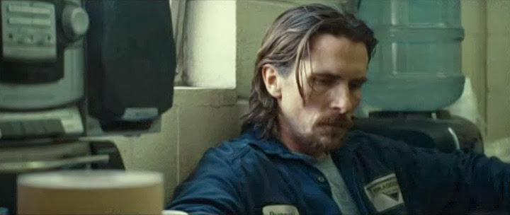 Screen Shot Of Hollywood Movie Out of the Furnace (2013) In English Full Movie Free Download And Watch Online At Downloadingzoo.Com