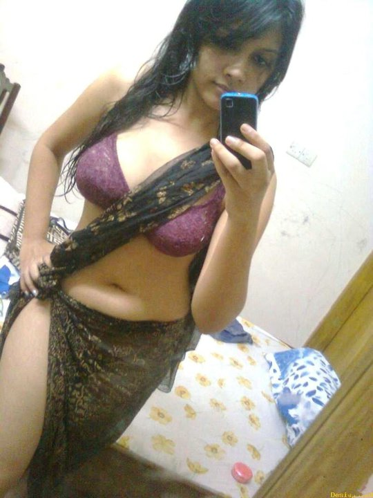 Bangladeshi hot girl sadia islam
