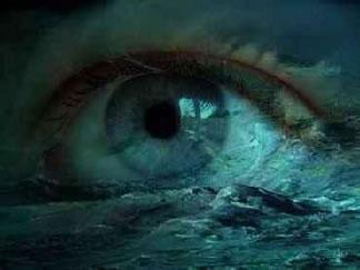 Resultado de imagem para olhos azuis e mar