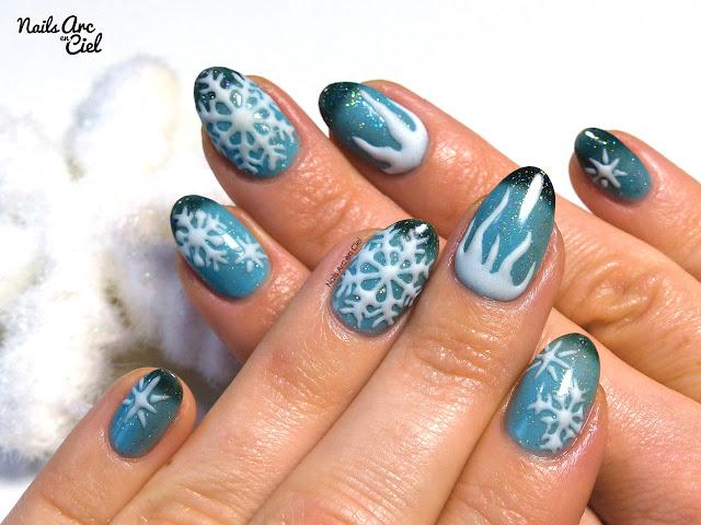 Nail art - Flocons givrés en effet sucre résine 3D par Nails Arc en Ciel