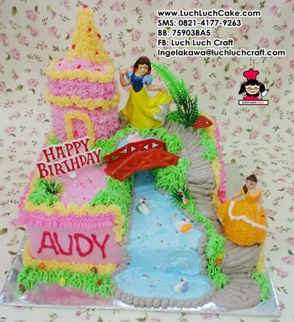 Kue tart kastil princess snow white