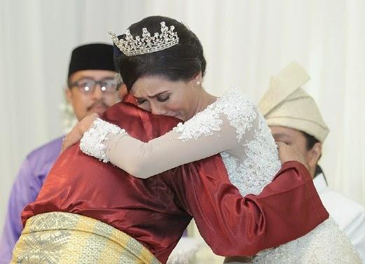 Elizad Sharifuddin sedih ibu tiada pada majlis persandingan