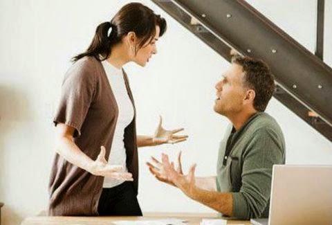 Καλύτερα να μασάς παρά να μιλάς...Τι είπε στη γυναίκα του και θα πληρώσει πρόστιμο πολλών εκατομμυρίων ευρώ;
