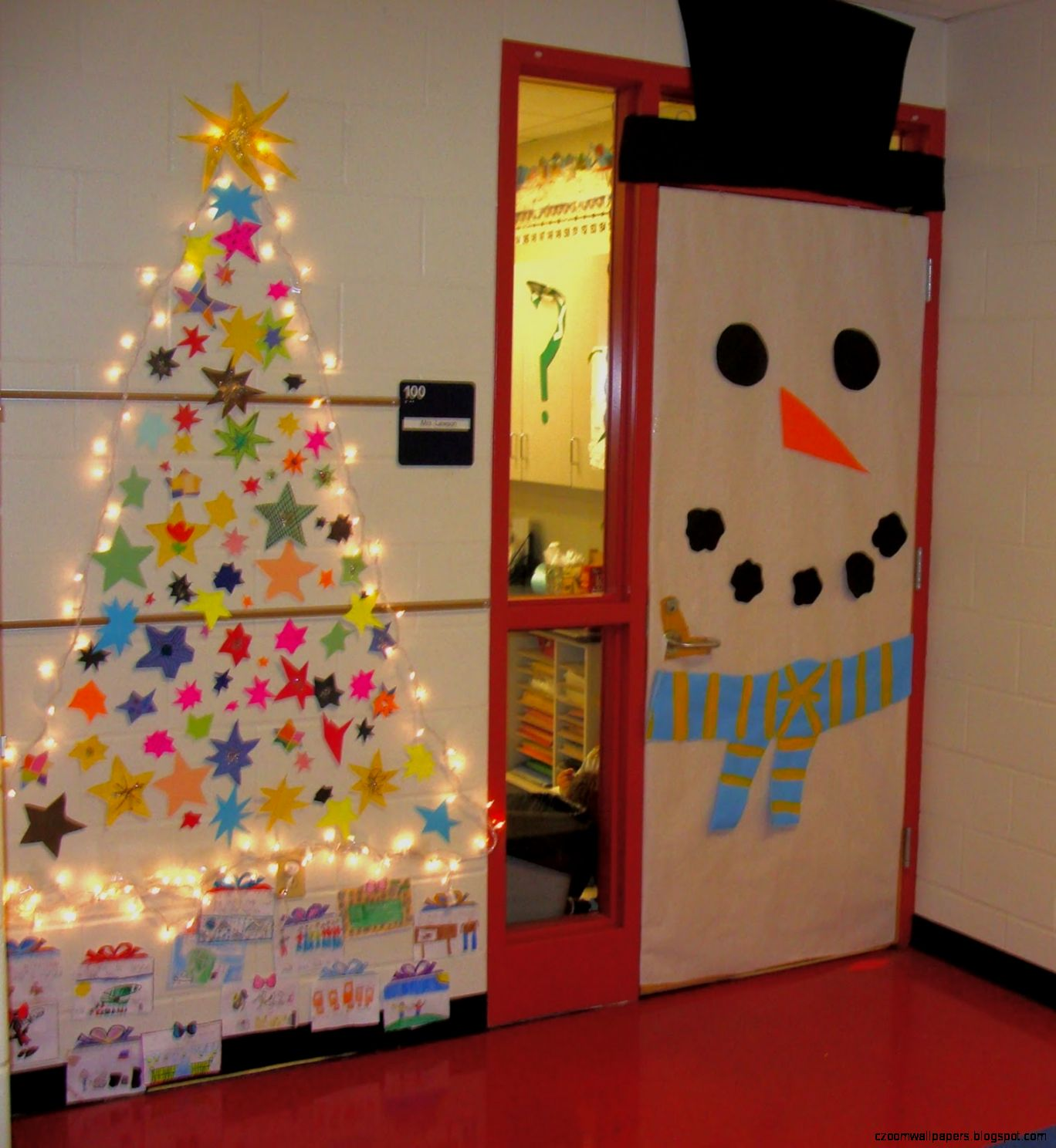 Christmas Tree Classroom Door Decoration Ideas